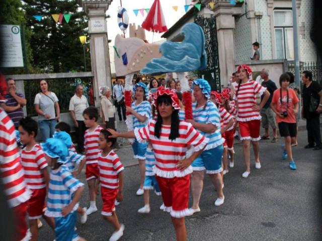 Sair para o desfile nas ruas 3